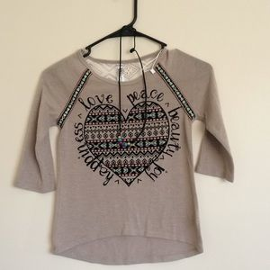 Beauties light brown girl shirt with necklace